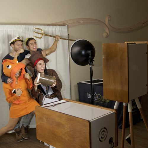 Best photo booth hire sydney and cheap video booth hire